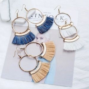 Accessories - Tan and white earring bundle